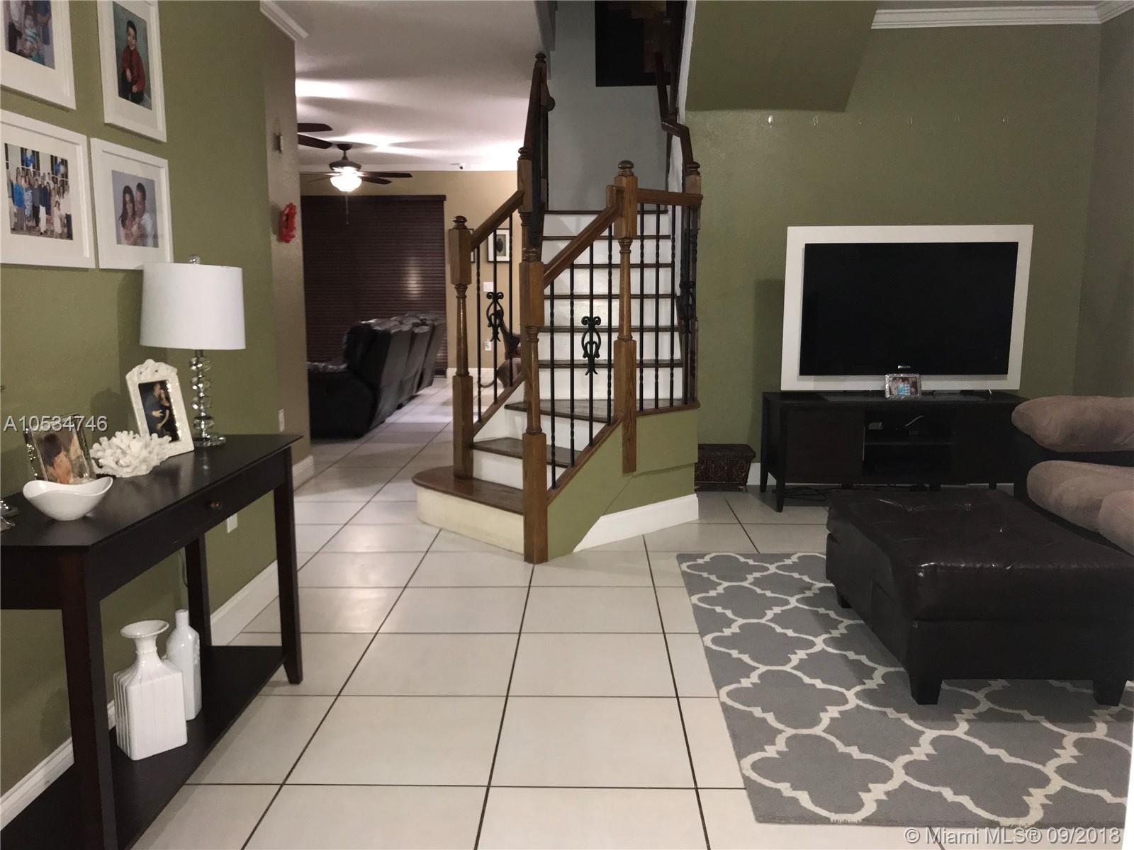 Nicely finished Town Home for Rent in Miami